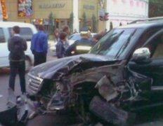 В Одессе произошло «мажорное» ДТП около «Палладиума» - прохожие наказали водителей! (Фото,Видео)